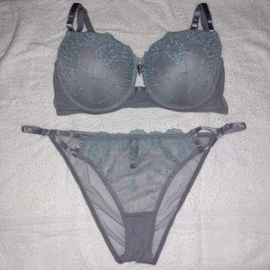Victorias Secret Bra and Matching Panty Set 38D